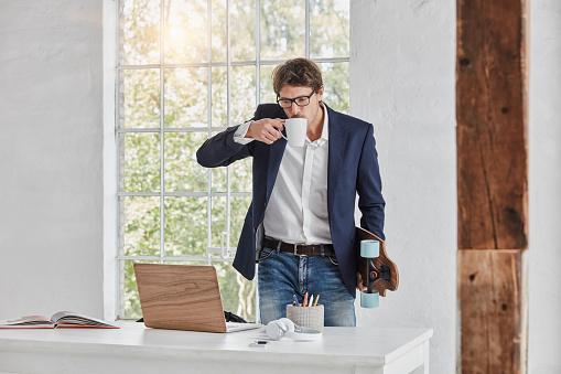 Geschäftsmann am Laptop